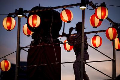夏祭り・盆踊りの新定番となったダンシングヒーロー